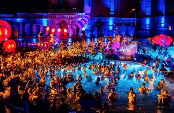 Fiesta Budapest Viajeros Low Cost